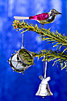 Julepynt - Glass bird, silver drum and bell on christmas tree