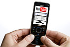 Anvender YouTube på mobiltelefon - Using YouTube on a mobile phone