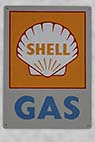 Shell skilt - Old Shell sign on the wall